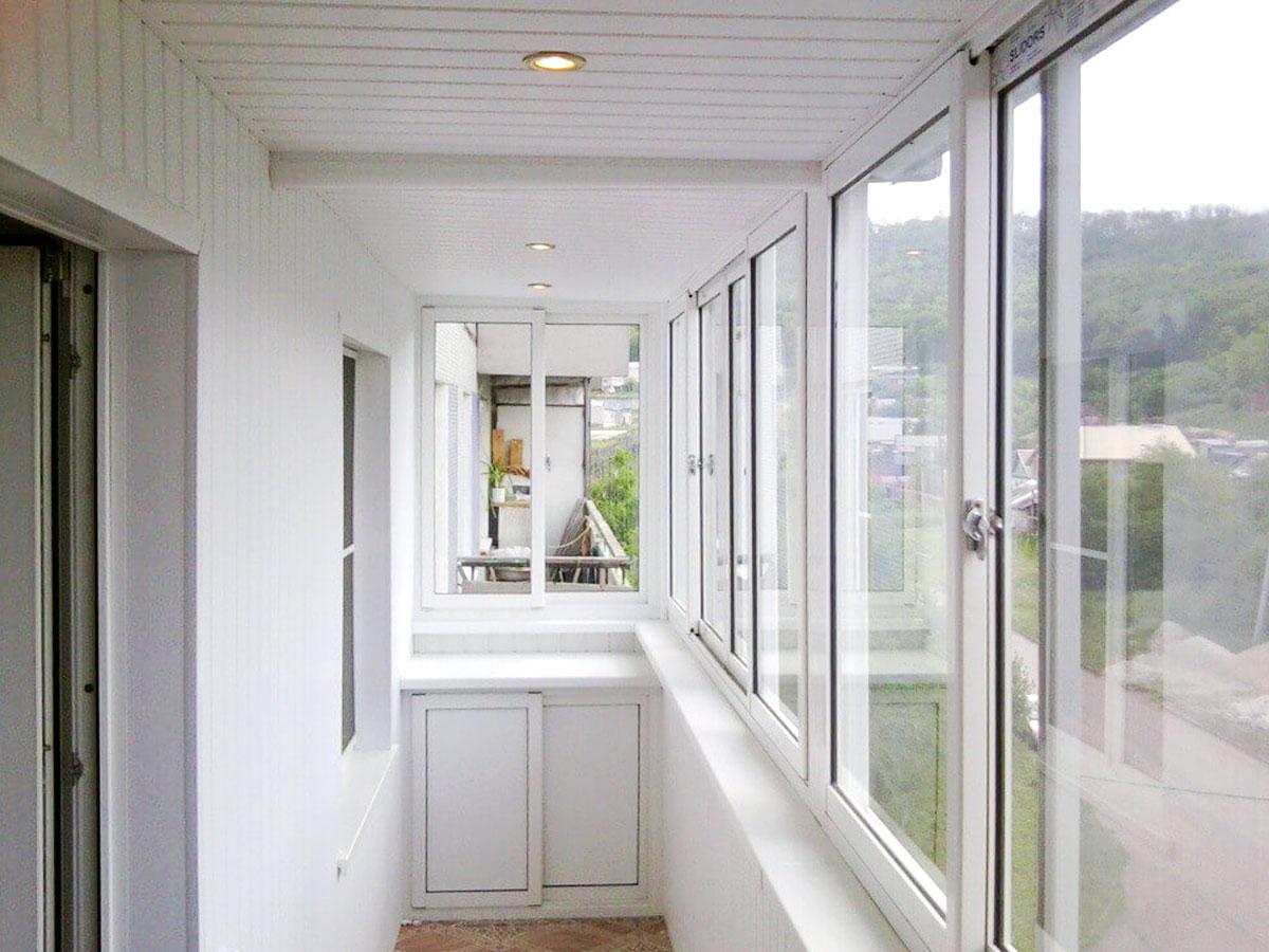 Отделка балконов и лоджий: ход работ и выбор материалов.
