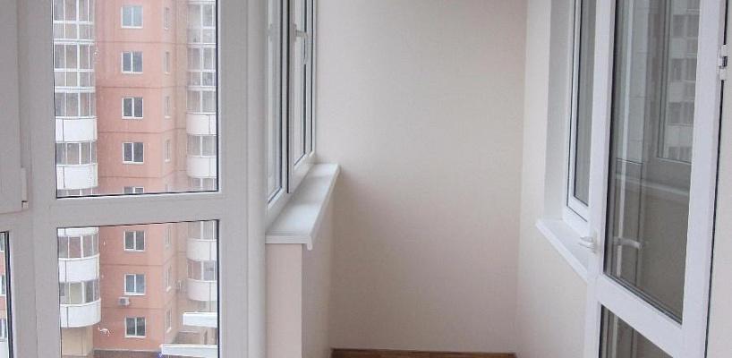 Остекление панорамное балкона пластиковыми окнами во всю выс.